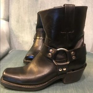 Frye Harness 8r Boots 6.5